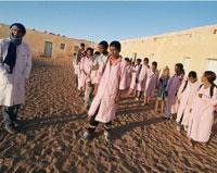 Los Sàharauis que càmpan en Tinduf en Argelia : Refugiados, o desplazados y retenidos.