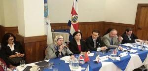 Parlamentarios latinoamericanos denuncian el maltrato a la mujer en Tinduf